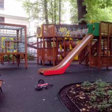 Москва, ул. Староволынская, д.12, комплекс детских площадок